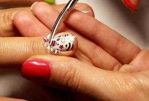 Как сделать стемпинг-дизайн ногтей