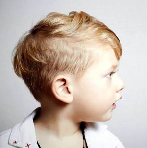 Стрижки на среднюю длину волос