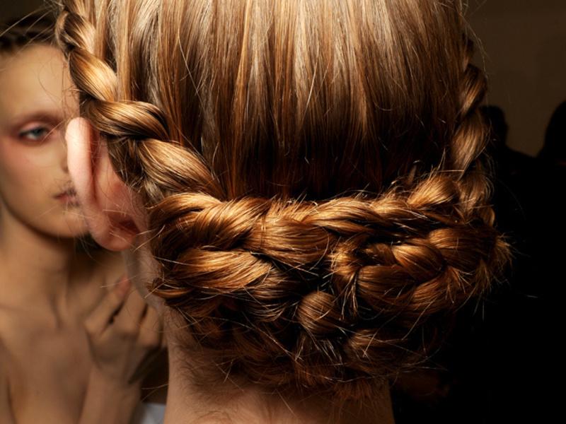 Прическа из четырех кос