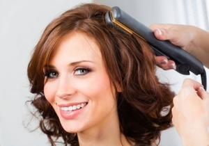 Утюг для волос для создания локонов
