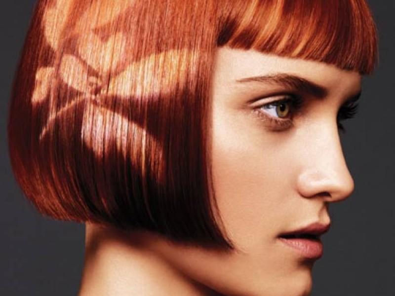 Цветочный принт на волосах