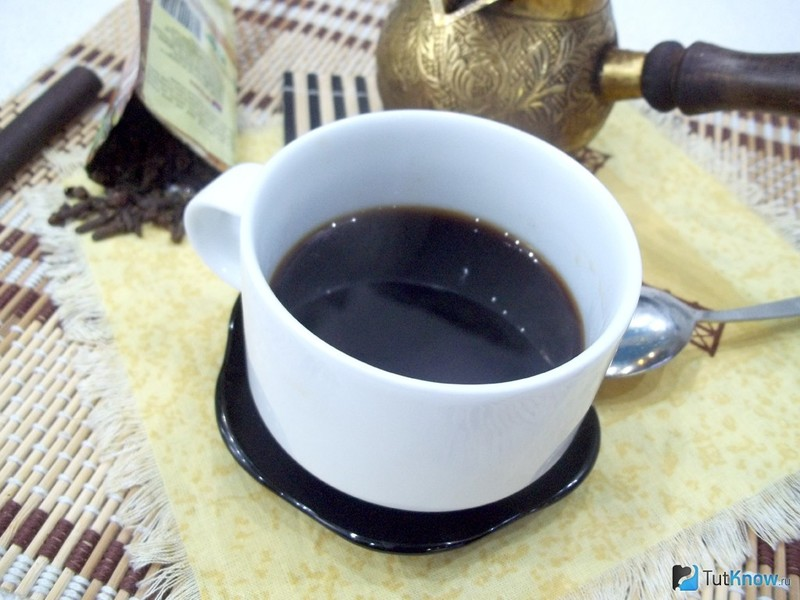 В итоге они теряют горечь, приобретают кофейный темно-коричневый цвет и нужный нам тонкий аромат.